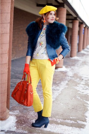 yellow banana republic pants - blue leather Fluevog boots