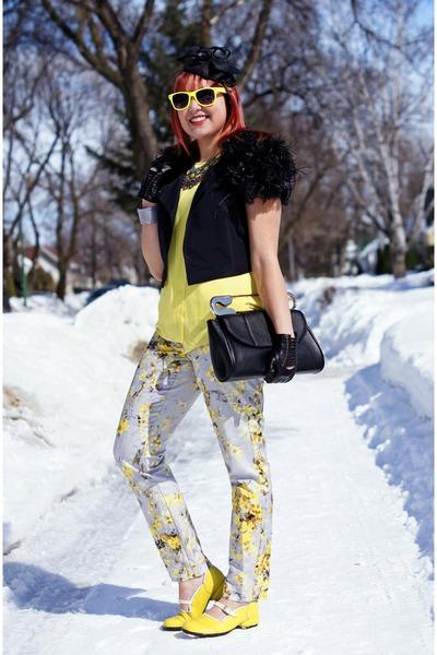 yellow chiffon Attitude Jay Manuel blouse - black bcbg max azria jacket