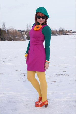 teal Ardene hat - hot pink TeenFlo dress - mustard HUE tights
