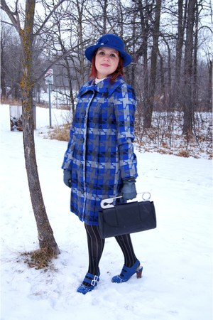 black Bodhi bag - blue wool rhinestone Nygard hat - blue cotton Tribal jacket