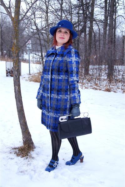 black Bodhi bag - blue wool rhinestone Nygard hat - blue cotton Tribal jacket