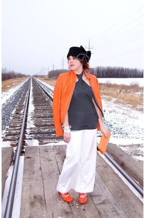 black polka dots Vero Moda top - black wool bow Icings hat