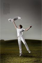 white H&M t-shirt - white Bershka jeans - white nike boots - white