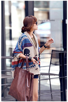 Skull & Stripes Horn Buttons Bat-wing Sleeves Cardigan