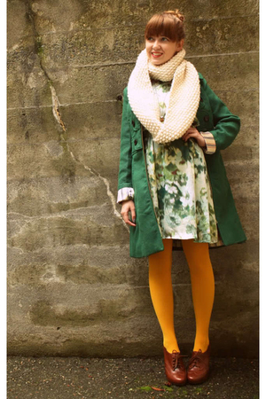 Green-tulle-coat-green-h-m-dress-gold-we-love-colors-tights-white-yarnover