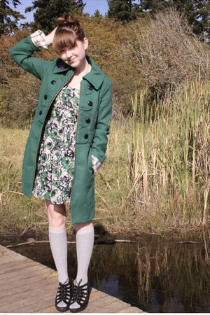green Tulle coat - black Urban Outfitters shoes - green Forever 21 dress