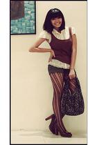 white vintage blouse - brown Terranova shirt - brown Bazaar shorts - brown leg l