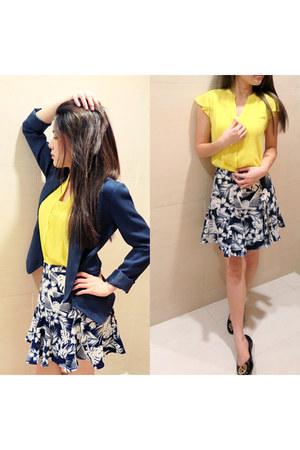 yellow H&M top - navy Forever 21 blazer - Pull & Bear skirt