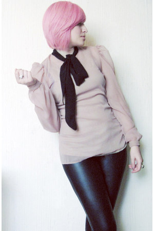 light pink chiffon XavieraQ blouse - black faux leather LOB leggings