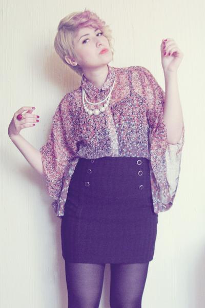 dark gray cotton skirt - coral chiffon vintage blouse - off white necklace