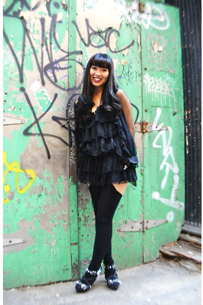 black Tabio heels - black Hugo Boss skirt - black stockings