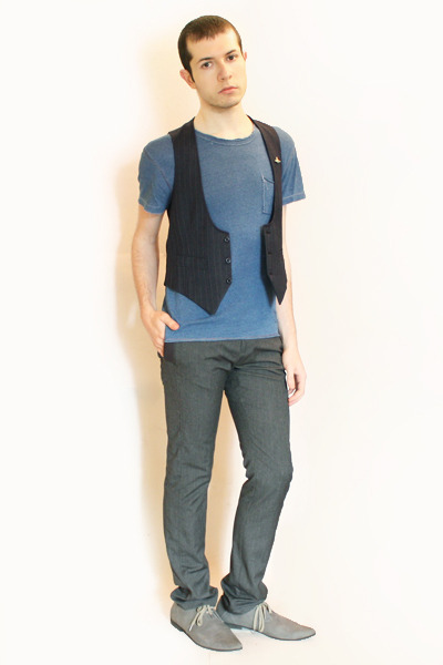 85a4808c66faf6 blue Gap t-shirt - blue Hanjiro vest - gray Zara pants - gray H M