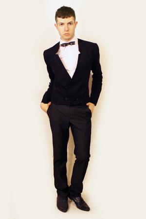 navy H&M blazer - navy H&M shoes - white Misaky shirt - navy Sisley pants