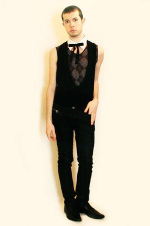 diy white collar - gray Hanjiro vest - black vintage vest - black Zara pants - b