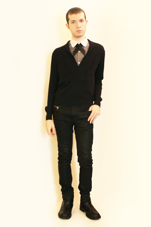 Hanjiro shirt - handmade tie - Sisley sweater - Zara pants - boots