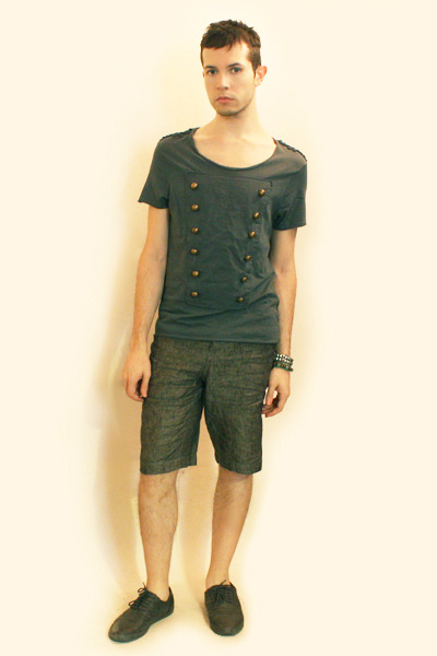 green Topman t-shirt - gray shorts - gray Zara shoes - TopmanH&M bracelet