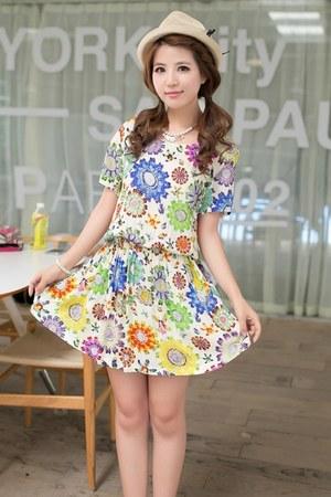Auspicious dress