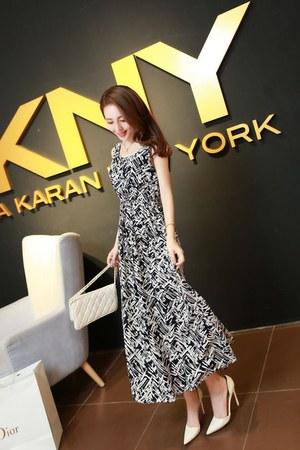 Xin Si Doig dress