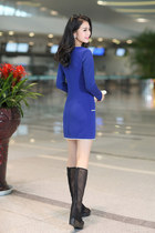 Han Jin Yi Dresses
