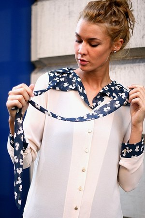 eggshell floral tie YUKI TOKYO blouse - black lace seams Ceci Tokyo leggings