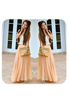 light pink pleated maxi Haus131 skirt - peach a&f shirt