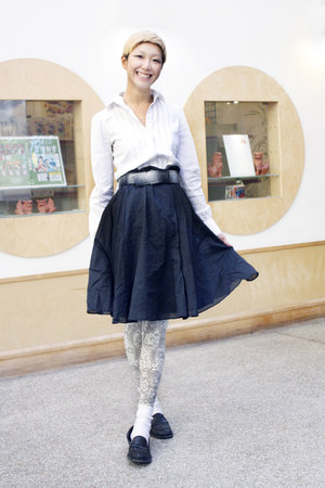 Esprit skirt - Theory shirt - Bottega Veneta flats