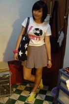 Scolar t-shirt - baleno attitude skirt - purse - bambini shoes