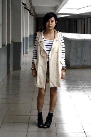 white H&M t-shirt - cream Miss Sixty vest - army green twopercent skirt - tan Un