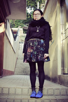 blue Anna Sui for Hushpuppies shoes - black shirt - black scarf