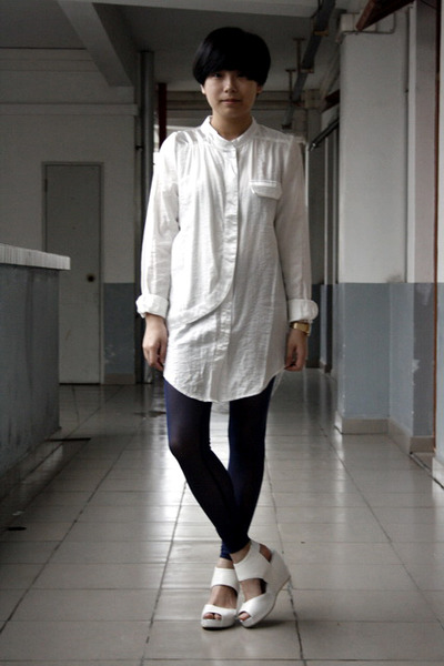 Dress Shirt with Leggings