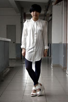 white shirt - blue chapel leggings - white H&M shoes