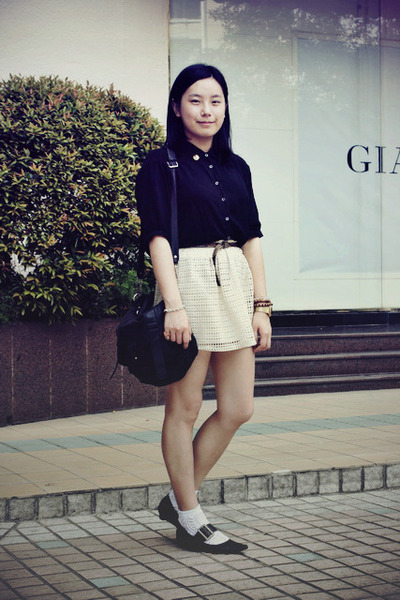 ivory skirt - black Riiika shoes - black chapel shirt - black rubi bag