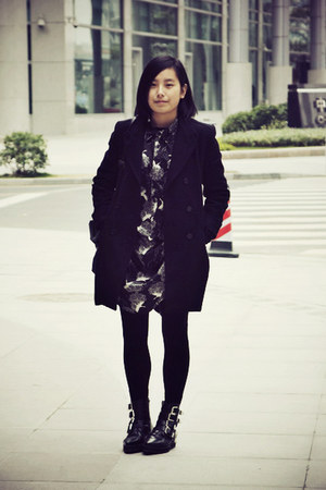 black puzzle boots - black bird prints chapel dress - black Zara coat - black DI