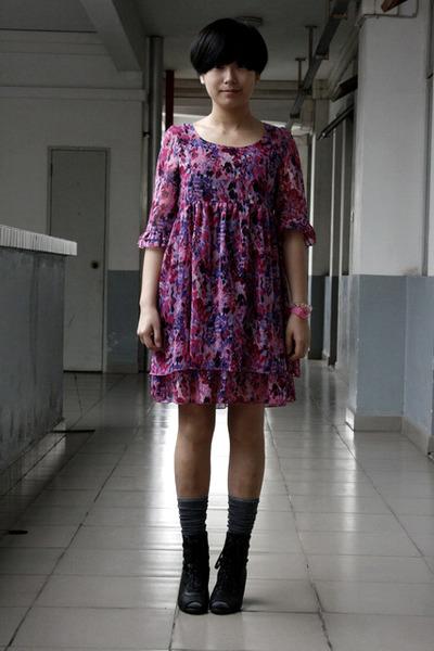purple dress - gray stockings - black Katie Judith shoes