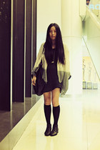 dark gray H&M t-shirt - black Bata boots - heather gray hello-miffy shirt