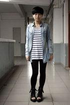 blue H&M shirt - white H&M t-shirt - black leggings - black shoes