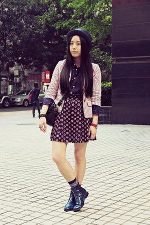navy CHOC boutique boots - navy Uniqlo hat - hot pink twopercent blazer