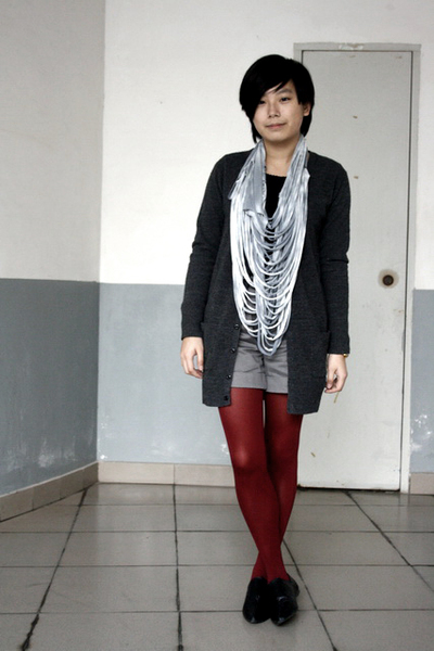 black g2000 t-shirt - gray lisamina cardigan - gray Zara scarf - gray KACO short