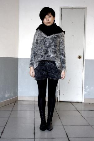 black scarf - gray Topshop sweater - gray shorts - black leggings - black shoes
