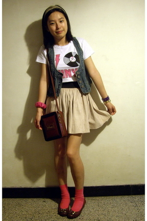 Scolar t-shirt - j-honey vest - skirt - moms vintage - CnE shoes