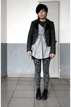 gray jacket - gray AVEC homme t-shirt - gray shorts - gray Bershka leggings - bl