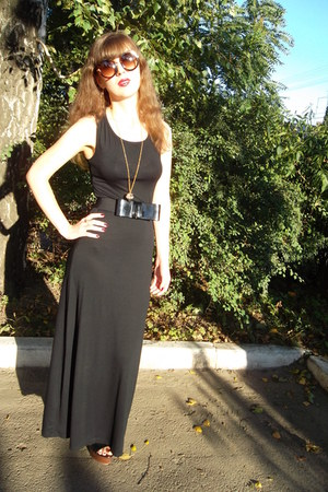black Forever 21 dress - black Oggi belt