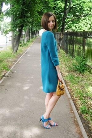 turquoise blue Zara dress