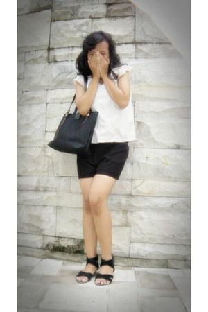 black diamond bag - eggshell Teke Teke blouse - black Bata flats