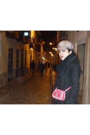 vintage coat - NYC market hat - Puerto Rico market bag