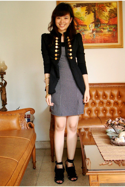black jacket - black dress - black shoes