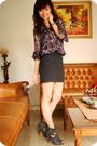 Purple-zara-blouse-gray-dolcevita-skirt-gray-belle-shoes-gold-forever-neck