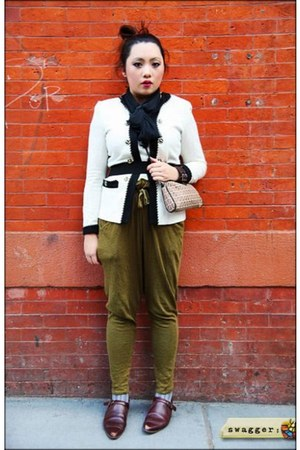 vintage shoes - vintage jacket - pouch Fendi bag - Zara pants - HUE stockings -