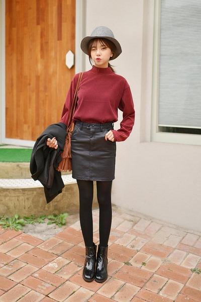 ruby red Seoul Fashion t-shirt