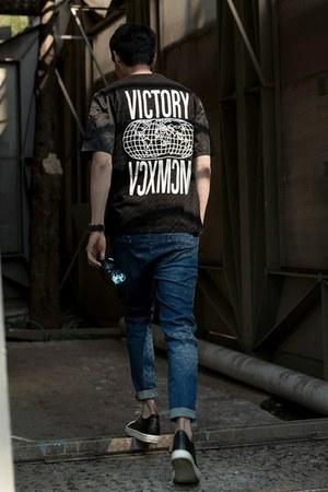 black GERIO t-shirt